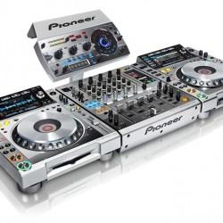 pioneer-dj-set-2-x-cdj-2000-nexus-djm-900-nexus-rmx-1000-platinum-limited-edition