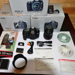 Canon EOS 5D Mark III Digital Camera with 24-105mm f-4L IS USM AF Lens4444