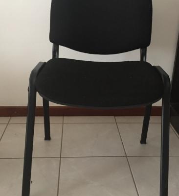 Cadeira sem braços em tecido